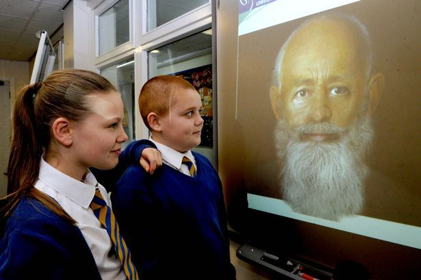 LIVERPOOL ECHO by Lorna Hughes (5/12/14) Real face of Father Christmas revealed... St Nicholas Primary School pupils take a closer look at the face of St Nicholas, created using 3D technology