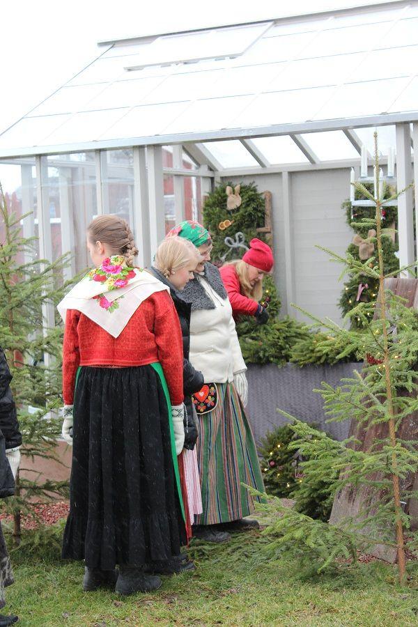 Julmarknad på Målargården med mina UF -tjejer