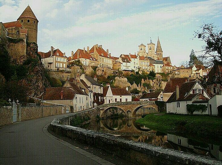 8 best places we have searched images on pinterest burgundy france beautiful places and drown. Black Bedroom Furniture Sets. Home Design Ideas