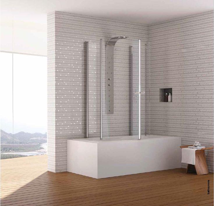 Pare-baignoire à portes pivotantes composé de deux panneaux fixes et de deux panneaux coulissants en arc en verre transparent. Hauteur 156cm et largeur au choix 90cm ou 100cm.