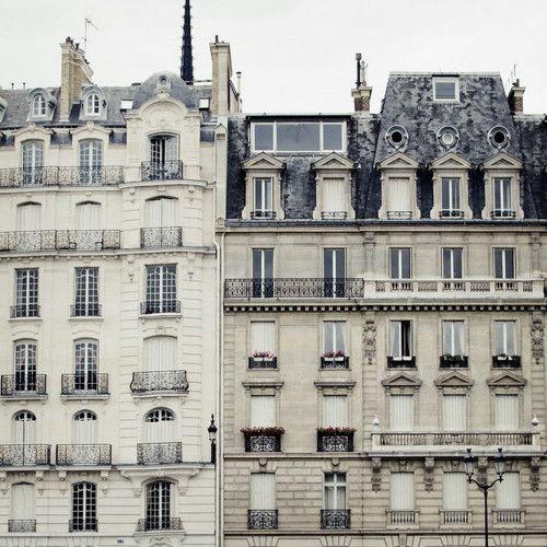 Archetypal Parisien Buildings