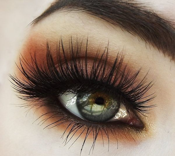 We're going CRAZY over those lashes and that shadow pigment!! #MakeupGoals