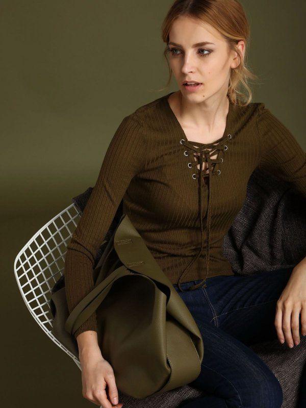 Damska bluzka Top Secret z kolekcji wiosna 2017 khaki sznurowany dekolt bluzka z wiązanym dekoltem