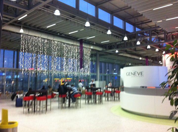 Genève Aéroport (GVA) in Le Grand-Saconnex, Genf