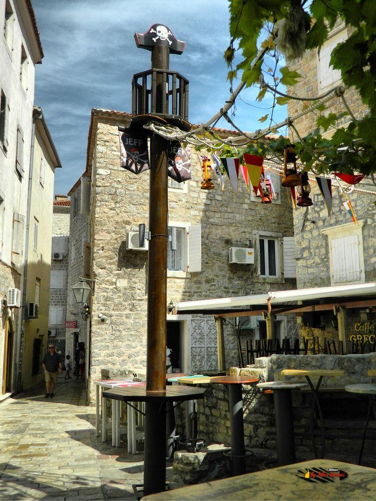 Old town, Budva, Montenegro, Nikon Coolpix L310, 6.2mm, 1/200s,ISO80,f/9.4, -0.3ev, HDR-Art photography, 201607050952