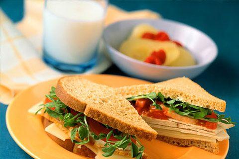 10 consigli nutrizionali per combattere la fatica: http://beautyerelax.com/alimentazione/651-fatica-stanchezza-cosa-mangiare-alimentazione-cibi.html