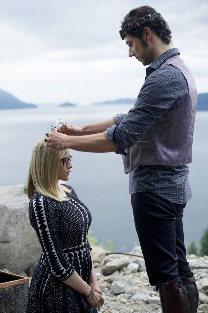 The Magicians Season 2 Olivia Taylor Dudley and Hale Appleman (25)