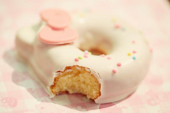 Sanrio Puroland Hello Kitty Donut