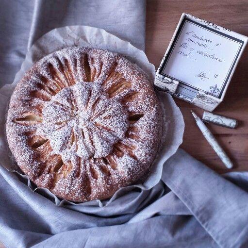 Torta di Mele al Profumo di Cannella http://somethingaboutilo.com/2014/10/torta-di-mele-al-profumo-di-cannella/