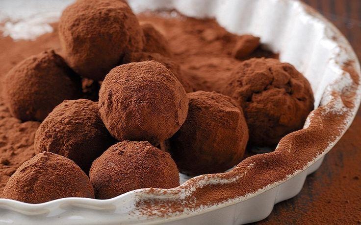 Σοκολατάκια με δαμάσκηνο και ξηρούς καρπούς - gourmed.gr