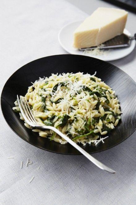 Réconfortant : un plat d'orzo, des petites pâtes cuites ici à la façon d'un risotto.