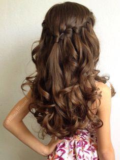 Waterfall braid with curls by @mimiamassari
