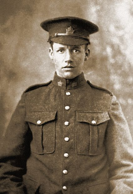 My great-uncle Murray Jack Light of Battleford, Saskatchewan served in Lord Strathcona's Horse during World War One.