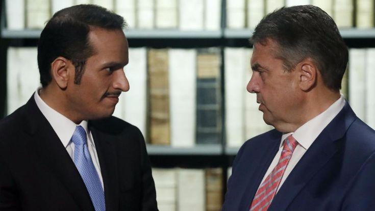 Bundesaußenminister Sigmar Gabriel (SPD) bei seinem Treffen mit dem katarischen Außenminister Scheich Mohammed Al-Thani am Freitag in Wolfenbüttel