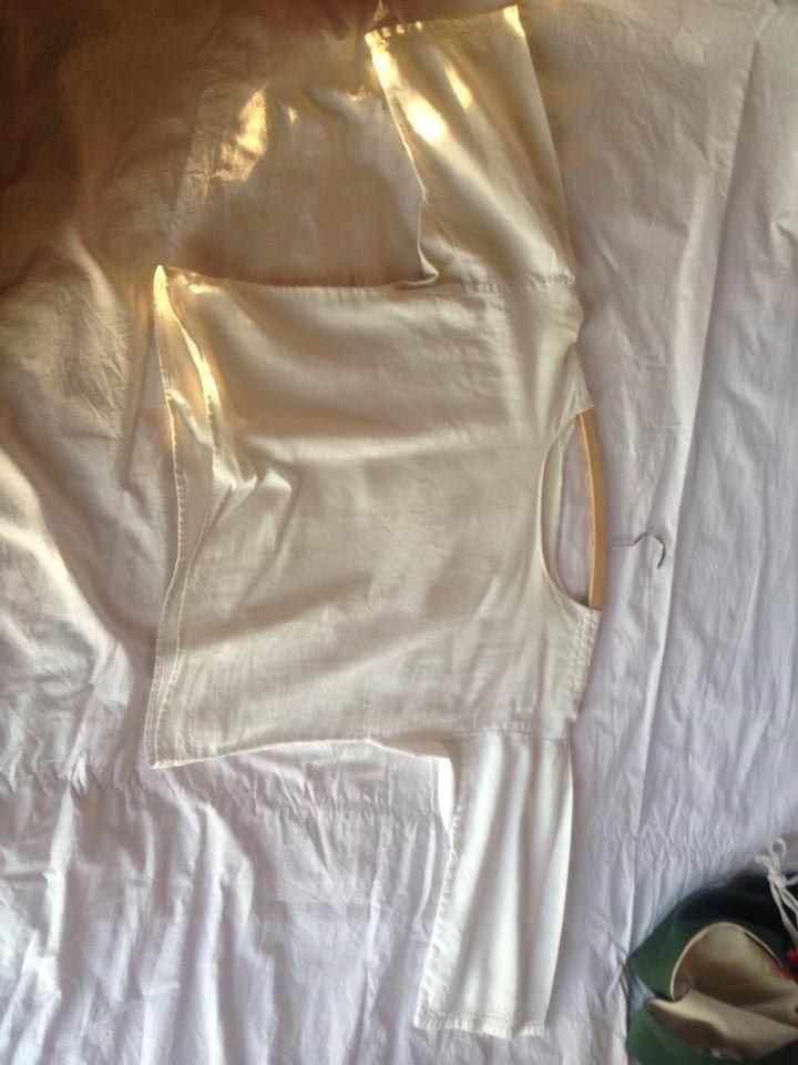 Blus/skjorta till näsåkersdräkten. Hålsöm som matchar förklädet på ärmarna?