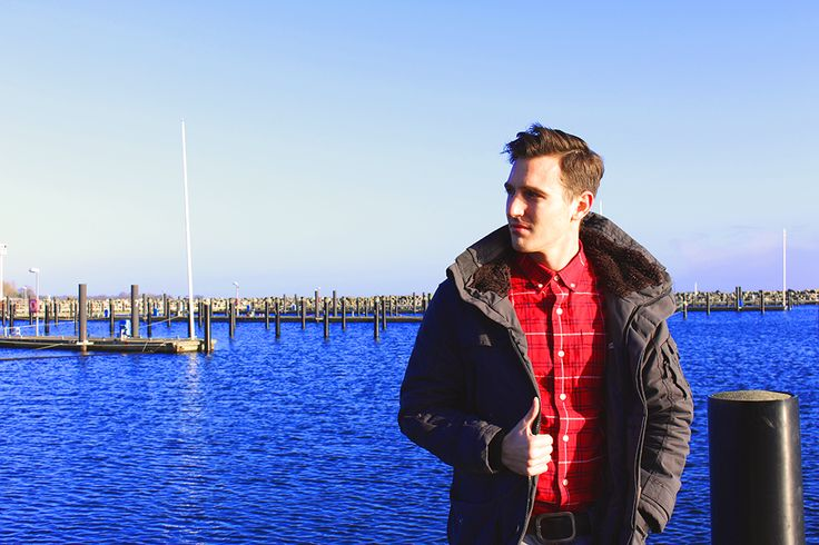 cold day at the sea. Perfect outfit: Parker by Khujo Shirt by Superdry trousers by Garcìa