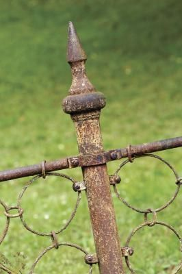 how to remove rust from iron fences irons rust and to remove. Black Bedroom Furniture Sets. Home Design Ideas