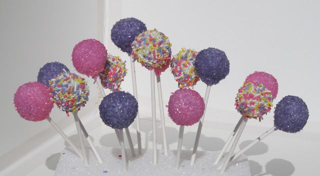 The Adventures of 2 Amis Baking: Fun and Beautiful Cake Pops