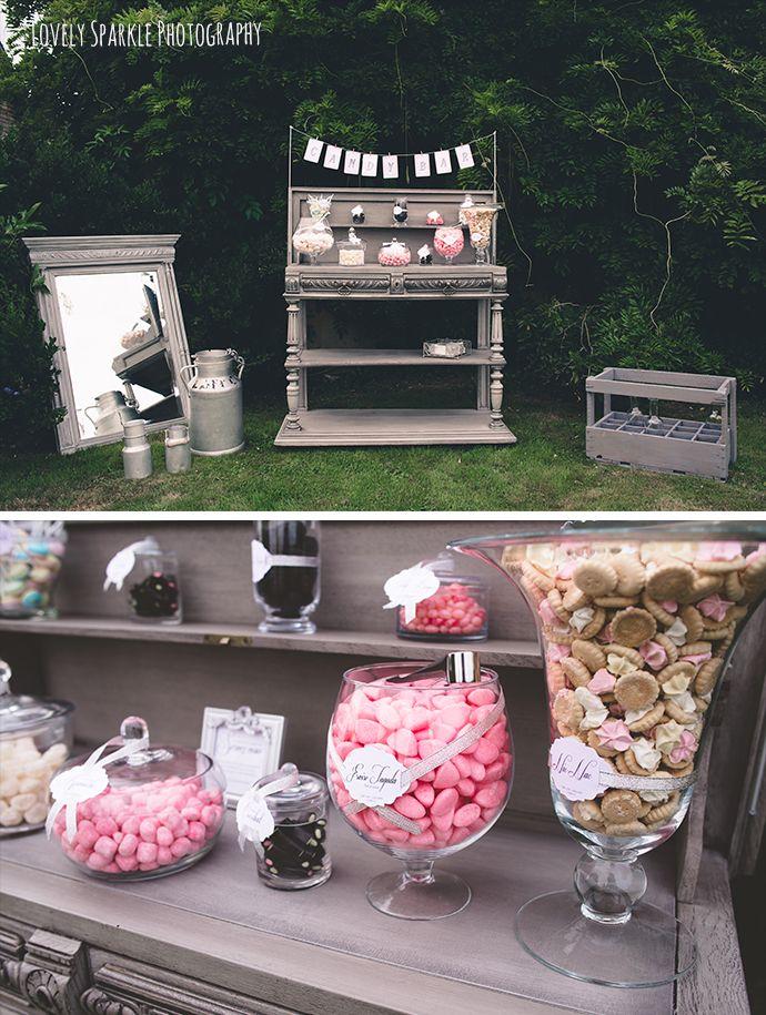 Candy bar romantique et champêtre en extérieur - rose noir gris blanc