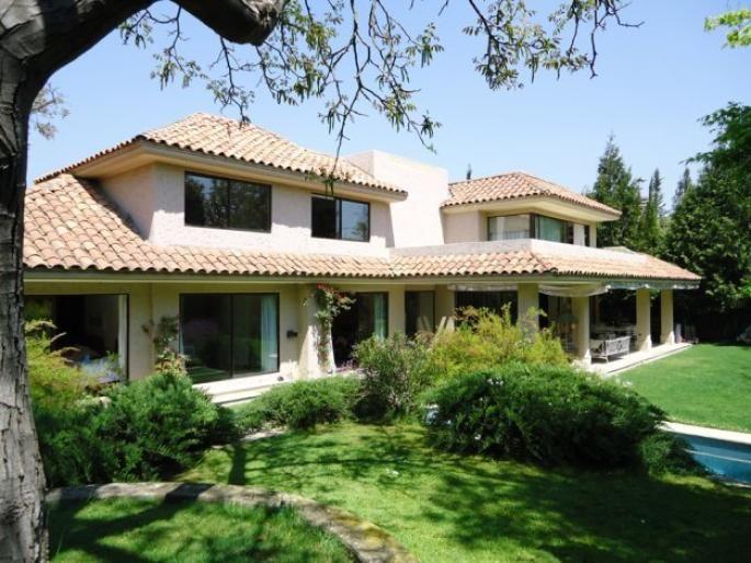 Excelente casa en Los Nogales Informe de Engel & Völkers | T-1409164 - ( Chile, Región Metropolitana de Santiago, Lo Barnechea, Los Nogales )