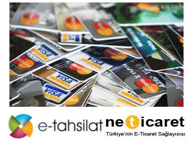 Kredi kartı ile ödeme alabilmek yani online tahsilat yapabilmek için e-ticaret ya da e-tahsilat sistemleri kullanılmaktadır. http://www.neticaret.com.tr/kredi-karti-ile-odeme-nasil-alinir