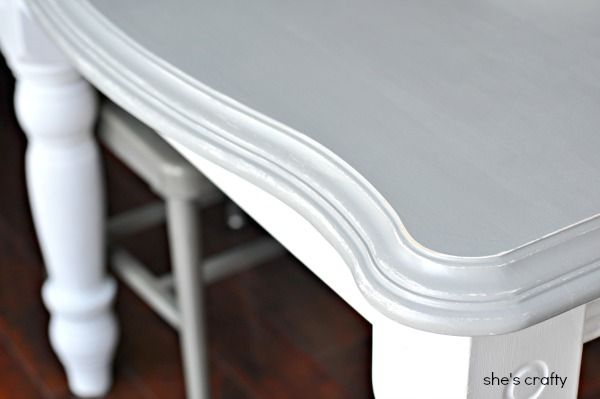She's crafty: Grey and White painted kitchen table...detailed step by step process