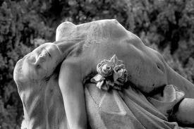.: Statues Sculptures, Staglieno Cemetery, Nude Art, Cemeteries Gravestones, Beautiful, Arresting Images, Angels Sculpture, Sculpture Statues, Cemetery Sculpture