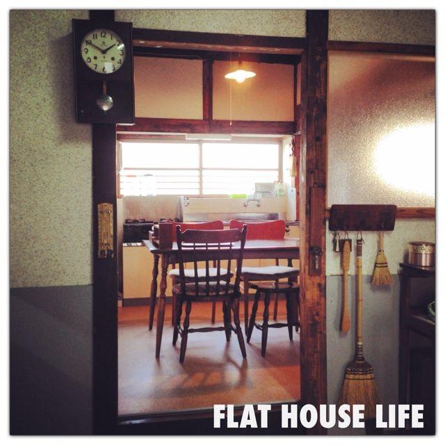 女性で、1LDK、家族住まいのチェア/台所/平屋暮らし/ダイニングテーブル/キッチンについてのインテリア実例を紹介。「玄関からみた台所♡」(この写真は 2014-02-24 16:07:45 に共有されました)