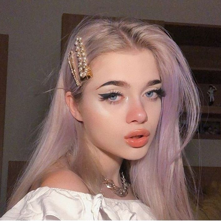 Do You Like These Fashion Hair Clips Aesthetic Aestheticsunset Trending Aestheticblue Aestheti In 2020 Aesthetic Hair Multi Colored Hair Hair Inspo Color