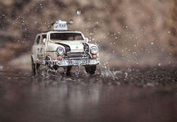 Miniaturas são estrelas de fotógrafa suíça. Carros de brinquedo são clicados em perspectivas e cenários diferentes