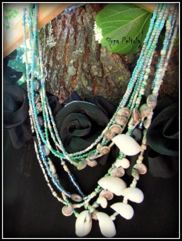 """""""Sinisiä Kuohuja"""",  """"Blue Waves""""  Necklace made of seed beads, some MOP coin beads and seashells."""