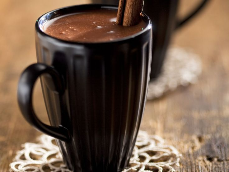 Chocolat chaud espagnol  ( lait, sucre, eau, cacao, maïzena, cannelle )