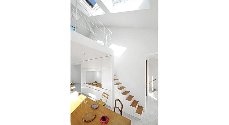 Rénovation énergétique : un duplex lumineux dans un immeuble rénové