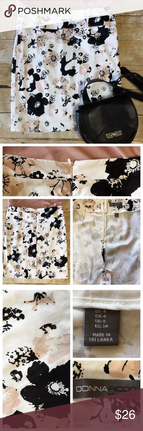 💖DONNA RICCO New York Floral Skirt Size 4 🔸DONNA RICCO NEW YORK A-Line Floral Skirt-Size 4-Above the Knee-Zipper Back-Colors:  White, black and blush-Excellent Condition 🔸Please look in pics for more info and approx. measurements including length and waist🔸  🛍Thank You, Deb Donna Ricco Skirts A-Line or Full