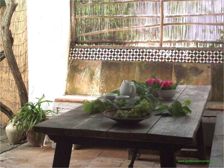 Decoración de mesa en patio  Jardines y Rincones Paisajismo