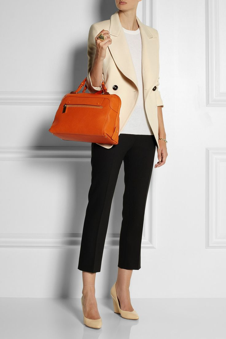 Style Yourself: How to Dress for a Job Interview - I love this outfit. It's so classy and elegant yet looks comfortable!