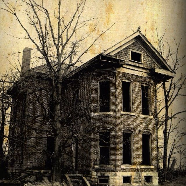 quotes about abandoned old homes | Creepy old house :)