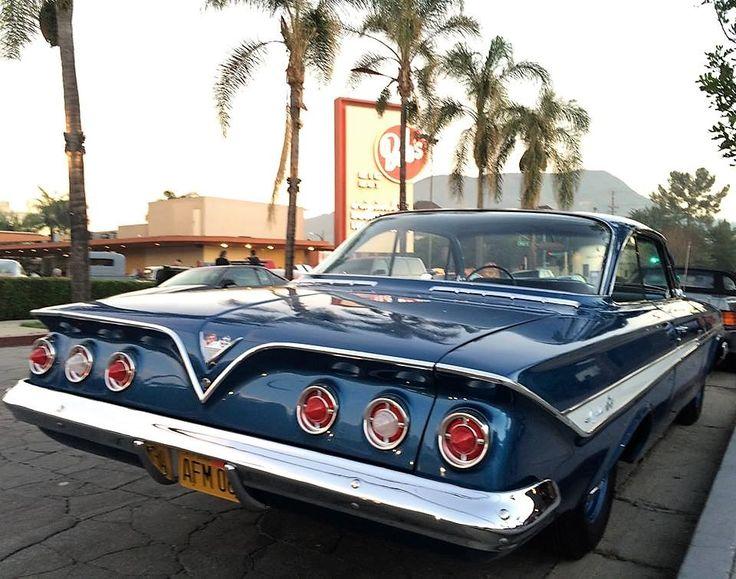 "frenchcurious: ""Chevrolet Impala 1961, au Bob's Big Boy de Burbank, Californie - Source Charles Phoenix. """