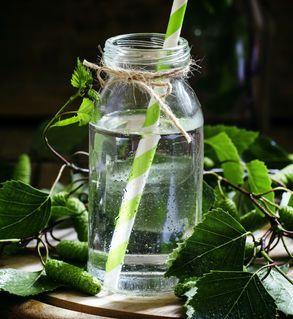 Woda brzozowa - sposób na piękne włosy i czystą cerę, fot. Fotolia