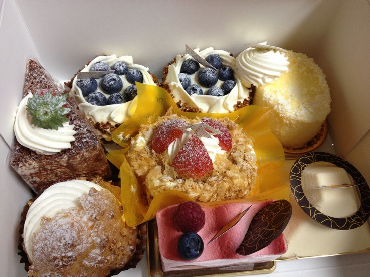 Visited a delicious bakery called Le Monde ..... Best bakery I have ever been to.