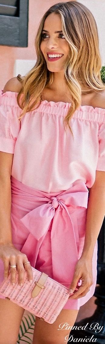 bows.quenalbertini: Pink Bow Skirt