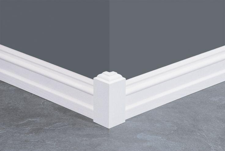 Disse gulvklossene brukes til utadvendte hjørner.   Det gir en fin sammenheng og et flott resultat.   #plinthblock #molding http://www.hjemogfix.no/gulvklosser/utadvendte-gulvklosser