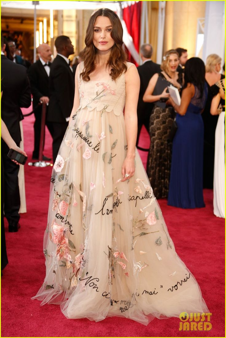 Emmy fashion 2014 best red carpet dresses blogher - Keira Knightley Dresses Baby Bump In Valentino For Oscars 2015 Keira Knightley Pregnant 2015 Oscars Pregnant Dressesbest Oscar Dressesoscars Red