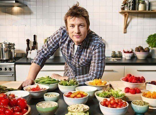 Универсальные заправки для салатов от Джеймса Оливера
