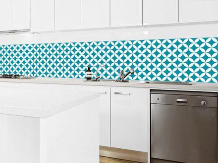 - Couleurs : bleu canard et blanc - Dimensions : 40 x 200 cm (disponible en 40 x 400 cm sur notre site) - Lé en PVC adhésif et imperméabilisé pour application murale (pose su - 19074994