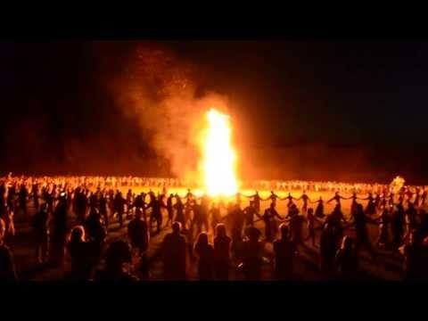 Огромный хоровод! Летнее Солнцестояние - 2013, Окунево  Родная традиция - YouTube / Large dance! Summer solstice - 2013, Okunevo- Native tradition