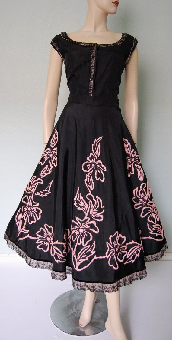 Hey, I found this really awesome Etsy listing at https://www.etsy.com/listing/154917971/1950s-embroidered-taffeta-spanish-style