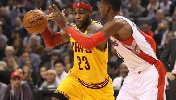 [Pronos NBA] Trois paris différents sur le choc Cleveland – Toronto -  Ambiance de playoffs ce soir à la Q Arena avec cette revanche de la dernière finale de conférence. Après son sang faute de la veille, George Eddy propose de miser… Lire la suite»  http://www.basketusa.com/wp-content/uploads/2016/11/lebron-raptors-570x325.jpg - Par http://www.78682homes.com/pronos-nba-trois-paris-differents-sur-le-choc-cleveland-toronto homms