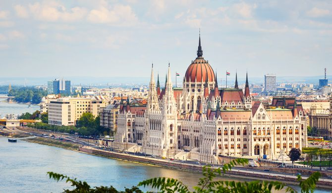 Discount UK Holidays 2 Nights : 8-31 Jan Budapest Discounted by 55%  Visit the beautiful city of Budapest, and choose from a two to three night stay in either the 4* hotel Mediterran or Golden Park Hotel. If you're looking for a cultural filled, relaxing break, then look no further....as you get the chance to enter Szchenyi Spa and an optional massage is included also.  Dates and prices...