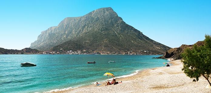 Det finns många fina små badvikar i Kalymnos, Grekland.
